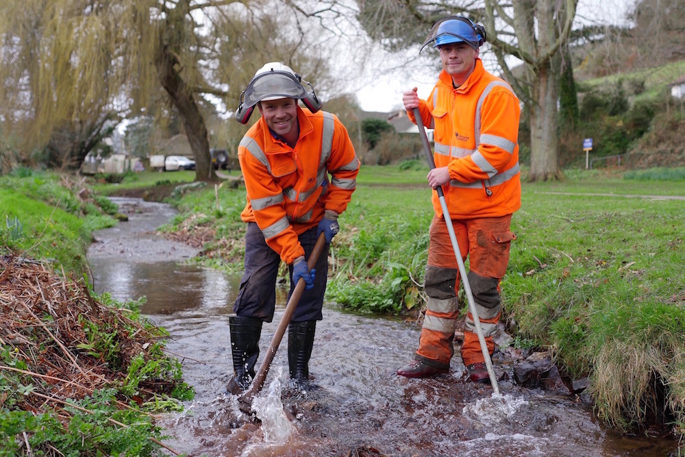 Martin Cook And Rob Bruce At Work For Somerset Rivers Authority In Bratton Stream, Minehead.